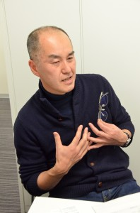 インタビューに応える村田さん