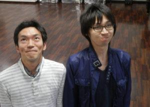 右手: 「布団の中のアーティスト」哲生さん 左手:ひきこもり自助グループ「step」世話人の近藤さん